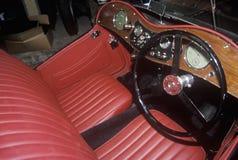 Inre av en MG på det Westminster MG bilmuseet i Westminster, Vermont Arkivbilder
