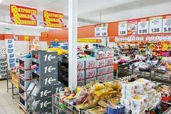 Inre av en Norma Supermarket Royaltyfri Fotografi
