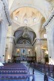 Inre av gamla Havana Catholic Cathedral Korridoren har stenpi royaltyfri bild