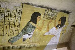 Inre av gravvalvet av Pashedu i Deir el Medina, Luxor, Egypten Royaltyfri Fotografi