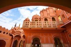Inre av Hawa Mahal, Jaipur, Indien Royaltyfri Bild