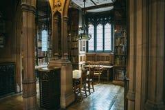 Inre av John Rylands Library royaltyfri foto