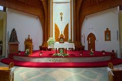 Inre av katolska kyrkan för helig ande av den Heviz staden, Ungern arkivbilder
