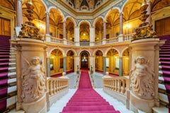 Inre av klassisk byggnad royaltyfria foton