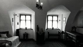 Inre av klislotten, Transylvania, Rumänien royaltyfria foton