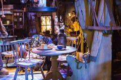 Inre av kojan, hus av Hagrid Garnering av Warner Brothers Studio Royaltyfri Foto