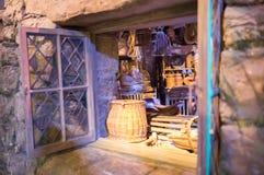Inre av kojan, hus av Hagrid Garnering av Warner Brothers Studio UK Royaltyfria Foton