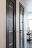 Inre av korridoren i modern lägenhet Royaltyfri Bild