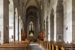Inre av kyrkan av abbotskloster av det heliga korset i Wien trä Royaltyfri Fotografi