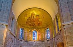 Inre av kyrkan av den Dormition abbotskloster Arkivbild