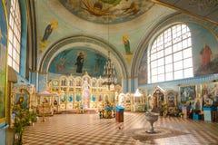 Inre av kyrkan av den heliga martyren Nikita Volgograd region Arkivfoto