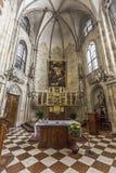 Inre av kyrkan av den Teutonic beställningen i Wien Royaltyfri Bild