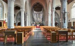 Inre av kyrkan för St Jacob i Ypres Royaltyfri Foto