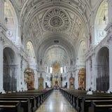 Inre av kyrkan f?r St Michael ` s i Munich, Tyskland royaltyfri foto