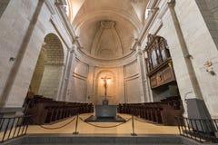 Inre av kyrkan i forntida monastary av Santo Domingo de Silos, Burgos, Spanien Arkivfoto