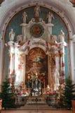 Inre av kyrkan på Engelberg Arkivfoto