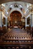 Inre av kyrkliga kapellklosterbrodersymboler Arkivfoto