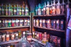 Inre av magi för professorn Snape jags samlingen Garnering Warner Brothers Studio för den Harry Potter filmStudioen fotografering för bildbyråer