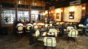 Inre av marknadsprojektrestaurangen Mumbai royaltyfri foto