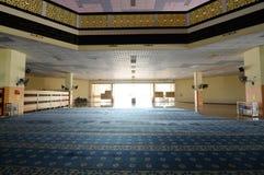 Inre av Masjid Universiti Putra Malaysia på Serdang, Selangor, Malaysia Royaltyfria Bilder