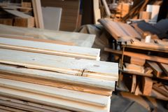 Inre av modern woodshop royaltyfri foto