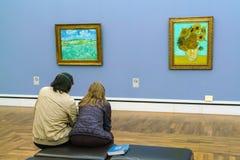 Inre av Neue Pinakothek, målningar av 19 c museum i Kunsta Arkivbilder