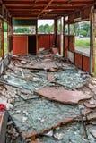 Inre av Rusty Abandoned Double-Decker Bus arkivbild