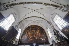 Inre av sainteanne chrurch, Bruges, Belgien Arkivfoton