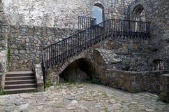 Inre av slotten av Strecno Arkivbild