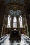 Inre av slottkyrkan av den gamla slotten Royaltyfria Bilder