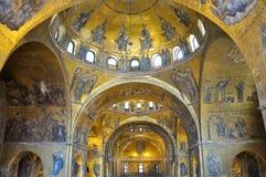 Inre av Sts Mark basilika Venedig, Italien. Arkivbild