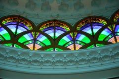 Inre av Sultan Abdul Samad Mosque (KLIA-moskén) Royaltyfria Foton