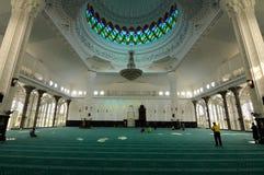 Inre av Sultan Abdul Samad Mosque (KLIA-moskén) Royaltyfri Fotografi