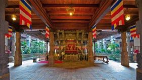 Inre av templet av tanden i Kandy, Sri Lanka Arkivfoto