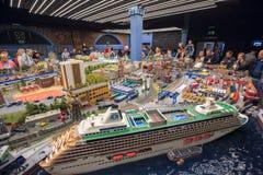 Inre av utställningen storslagna Maket Rossiya okhtinsky petersburg russia för bro saint arkivbilder