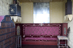 Inre av Victor Hugo & x27; s-hus på Guernsey Arkivbild