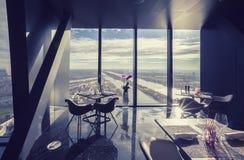Inre av Wien den moderna restaurangen i himmel Fotografering för Bildbyråer