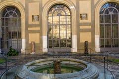 Inre borggård av en palazzo Arkivfoto