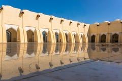 Inre borggård av moskén i Doha Royaltyfri Fotografi