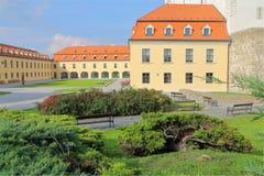 Inre borggård av slotten akademikra Bratislava Arkivbild