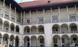Inre borggård på den Wawel slotten i Krakow, Polen Arkivfoton