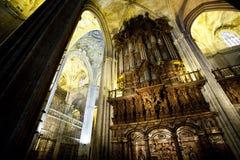 Inre cathedrale av seville arkivbild