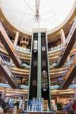 Inre central Souq mega galleria i Sharjah UAE Arkivfoto