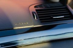 Inre (Designo) av använd Mercedes-Benz S-grupp S350 länge (W221 Arkivbild