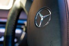Inre (Designo) av använd Mercedes-Benz S-grupp S350 länge (W221 Royaltyfri Bild