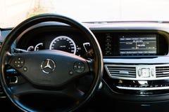 Inre (Designo) av använd Mercedes-Benz S-grupp S350 länge (W221 Fotografering för Bildbyråer