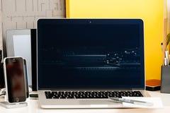 Inre för dator för presentation för Macbook pro-handlagstång, royaltyfri foto
