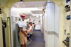 Inre för flygplan för emiratflygbuss A380 Royaltyfria Bilder