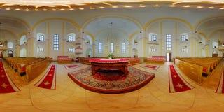 Inre för unitariekyrka i Cluj-Napoca, Rumänien Arkivbild