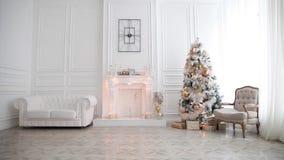 Inre för vit klassisk jul och för nytt år arkivfilmer